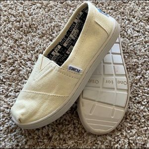 Girls Toms Slip-Ons
